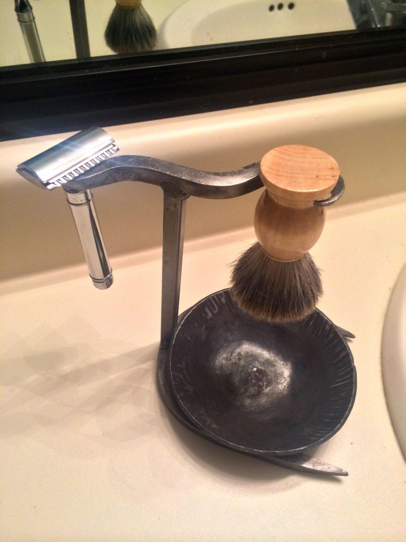 Safety Razor And Brush Shaving Stand With Shaving Cream Drip