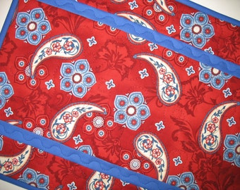 Americana Table Runner Reversible with Paisleys fabric from Red Rooster