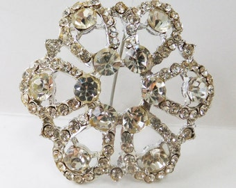 Vintage jewelry brooch in silver with clear rhinestones wedding brooch
