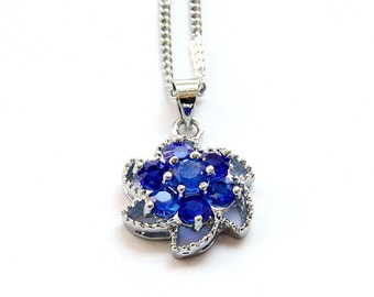 Acrylic Diamond Inlaid Metal Setting Flower Floral Pendant Necklace Chain 15mm x 15mm  T2761