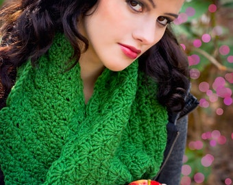 Women's Green Crochet Cowl - Forest Green Lacy Cowl - Color of Choice
