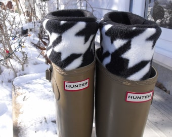 Fleece Rain Boot Liner, Classic Houndstooth, Black and White,Boot Inserts, Outdoor, Rustic, Wellington Warmers, Med/Lg 9-11