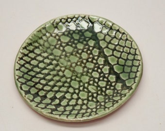Small Lace Plate  in Green