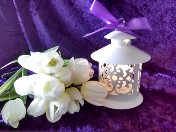 Pagoda style mini white lantern table decoration wedding