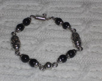 Vintage Sterling Silver and Black Onyx Beaded Beaded Bracelet Mexico