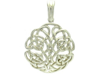 PE000920 Sterling silver pendant  925 Celtic Knot