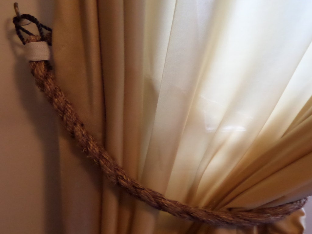Curtain rope tie backs