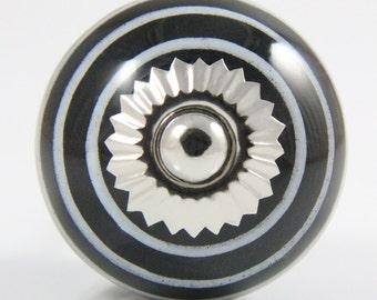 Black and white stripey knob 3.8cm BW007