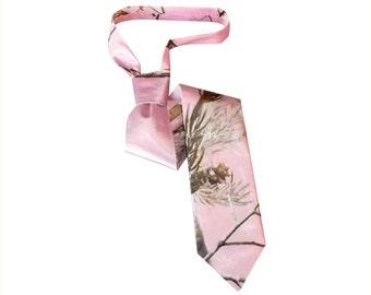 Pink camo tie.  Satin camo necktie Realtree AP pink necktie made to order