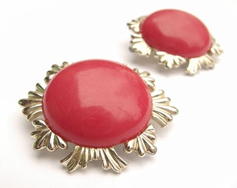 Vintage 1950's Coro clip on earrings, red earrings, red and gold enamel earrings, red wedding jewelry, bridesmaid jewelry