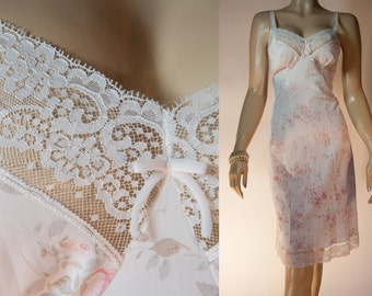 Gorgeous  Triumph 60's vintage silky soft sheer ivory and pink rose floral design nylon and delicate lace detail full slip petticoat - 3331