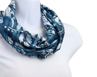 Blue INFINITY scarf Classic satiny Shades of Blue Floral ~ SK150-S5