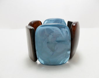 Vintage Bracelet / Bangle LUCITE Serenity Blue & Brown Marble Wood Large Chunky Retro Stretch 1980s Art Deco Retro Expandable Statement