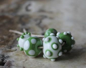 lampwork bead set green and white polka dots