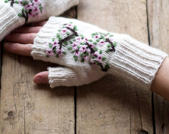 Cherry Blossom Fingerless Gloves in Ivory White, Hand Embroidered, Pure Fine Wool, Natural Materials, Shabby Chic Accessories