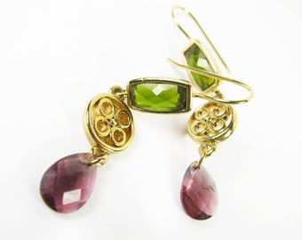 Vintage Mauve and Moss Green Rhinestone Earrings, Gold Tone, Bridal / Vintage Wedding - Boucles d'Oreilles.