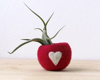 Free Shipping - Felt succulent planter /  Valentine gift  / felted bowl / Love pod / red with a heart / CHOOSE your color!