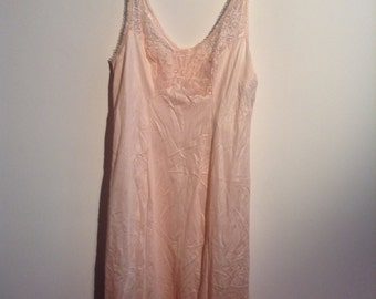 Vintage Blush Nightgown. Bali, new with tags.  Beautiful Size 32. Mad Men. Rockabilly, Bettie Page.