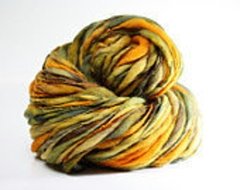 Thick and Thin Yarn Handspun Wool Slub  tts(tm) Merino Hand dyed Self-striping xLR 05b *Reduced 2nd Shipping*