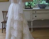 Sale! Vintage wedding dress. 1960's/1970's bridal gown. ivory bridal dress. Kelly