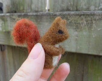 Tiny Needle Felted Squirrel / Miniature Red or Gray Squirrel Figurine / Autumn Waldorf Nature Table / Wool Felt Woodland