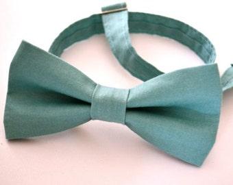 Mens Bowtie in Turquoise Cotton, Teal Bow Tie, Aqua Bow Tie, Mens Pre-Tied Bow Tie, Groomsmen Bow Tie, Wedding Bowties