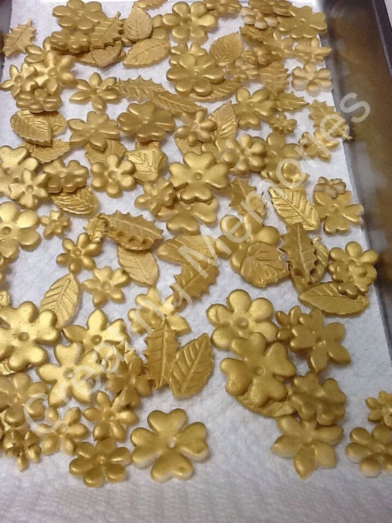 Gold Leaves Cake Decoration : Items similar to 36 Mix Gold Fondant Flowers and Leaves ...