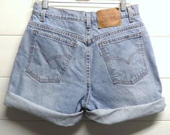 LEVIS High Waisted Denim Shorts Waist 31 inches