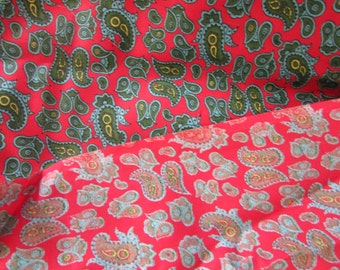 Vintage Cotton Paisley Design  Fabric Red Background with Green Paisley Outlined in Blue, Vintage Fabric, Vintage Textiles, Vintage Sewing