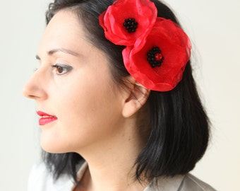 Red organza layered flower clip, hair clip brooch combo, multiple layers clip, black seed beads, Boho-chic fashion, red poppy hair accessory