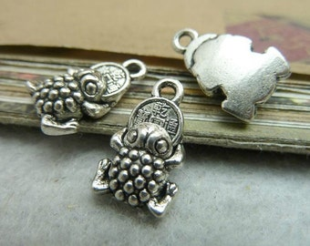 30pcs 11x17mm The Toad  Silver White Color Charm For Jewelry Pendant C7157