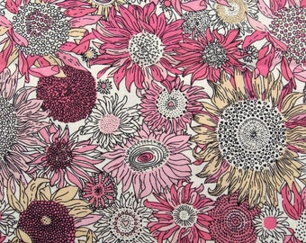 C015B - 1 meter Cotton fabric -  Daisy (pink)