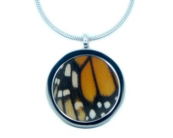 Real Butterfly Necklace Pendant - Monarch, Butterflies, Natural, Nature, Colorful, Handmade, Special, Present, Fashion Jewelry, Statement