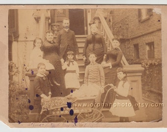 Vintage/ Antique Beautiful cabinet photo of a Family