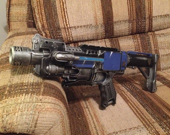 Space Marine Nerf Barricade Machine-pistol with LED Lamp attachment