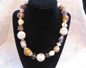 Gold and Cream Chunky Necklace