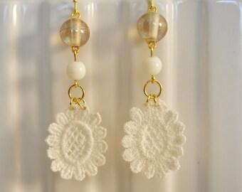 Handmade Vintage White Crochet Flower Drop Earrings