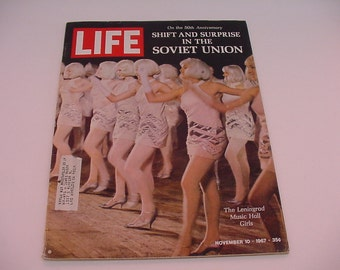 "Nov 10, 1967 50th Anniversary SOVIET UNION Leningrad Girls Marlboro 100'S ""Longhorns"" vtg Life Magazine"