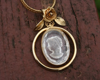 Necklace Crystal Cameo Gold Chain