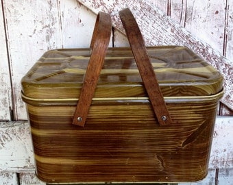 Vintage picnic basket metal wood handles Brown, Faux Bois Wood Finish includes plates and cups