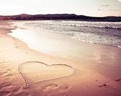 plage décor nautique coeur imprimé plage photographie côtier plage impression art océan décor plage maison décor mural art rose art grand or prune