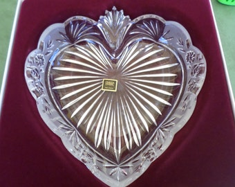 "Vintage Oneida Crystal Southern Garden Heart Tray 8"", Beautiful Piece!, Unused in Box"