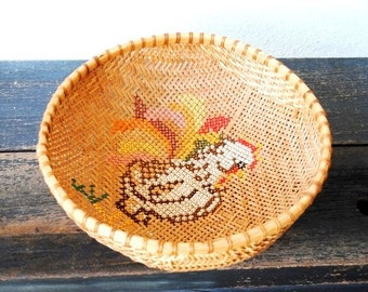 Vintage Rooster Wicker Basket Bowl, Needlepoint Folk Art Rustic Farmhouse Country Kitchen Decor Serving