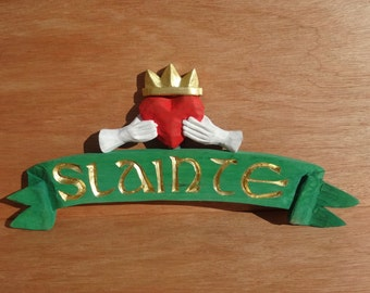 SLAINTE pennant sign