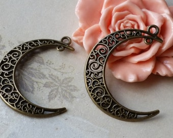 38 mm Antiqued Bronze Moon Crescent Charm Pendant (.scc).