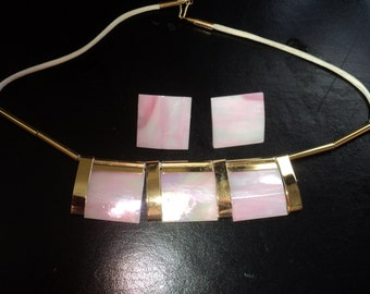 Retro 1960's Mod Sculptural Glass Necklace and Earring Set made of Pink Stained Glass with Gold Plated Inserts, Mod Geometric Designed Set
