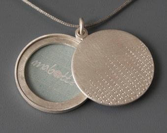 Mabotte Locket for one picture, Sterling silver, diameter 26mm, design drops of dew