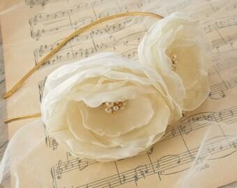 Wedding Hair Accessories, Ivory Flower Bridal Headband, Bridal Haipiece, Wedding Flower Fascinator, Floral Headpiece, Vintage Style