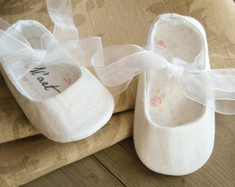 White LINEN baby girl shoes, linen christening outfit, ballerina slippers, ballet flats, summer shoes