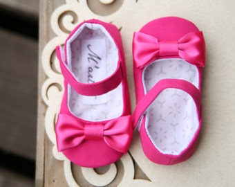 Hot pink baby shoes, fuschia baby shoes, pink baby girl outfit, flower girl shoes, baby wedding shoes